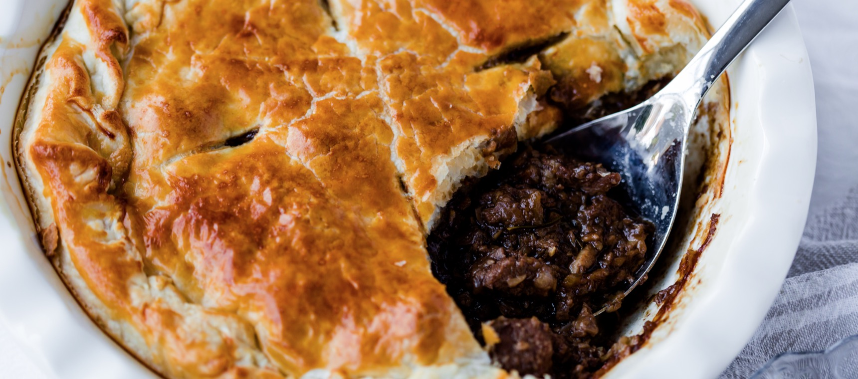 Steak & Ale Pie - The 4 Blades